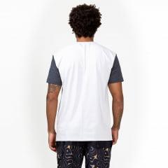 T-shirt Surfly com bolso estampado